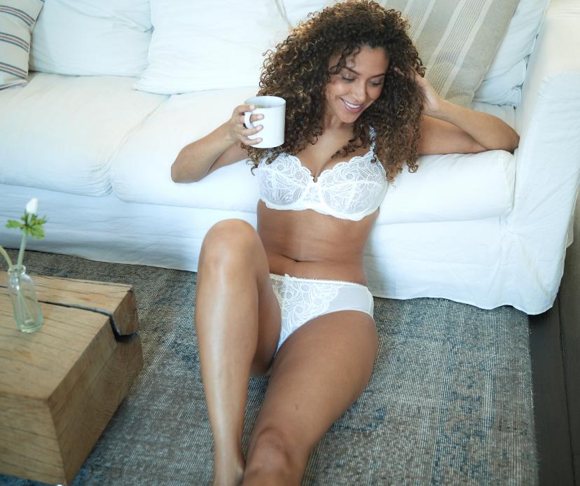 Parure lingerie dentelle poitrines généreuses Ariane